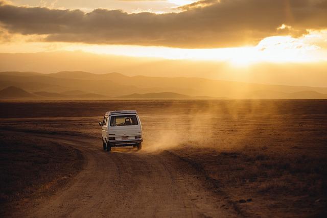 Czym najpoprawniej podróżować do pracy czy na wakacje własnym środkiem transportu tak czy nie?